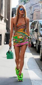 Anna Dello Russo (editor-at-large Vogue Japa) - always pulls it out of the bag