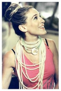 carrie-bradshaw-pearls-2