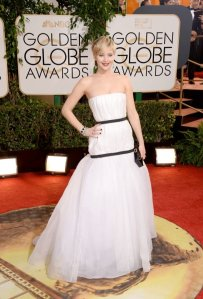 jennifer-lawrence-dior.jpg.pagespeed.ic_.MuY5D3VfoR