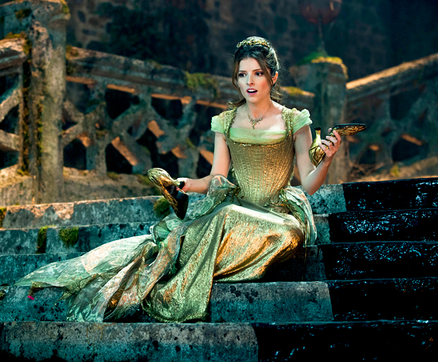 into-the-woods-anna-kendrick-560
