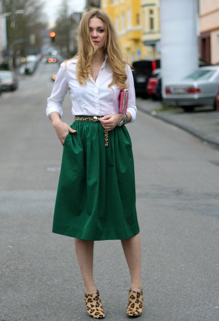 7-stylish-ways-a-full-midi-skirt-at-work