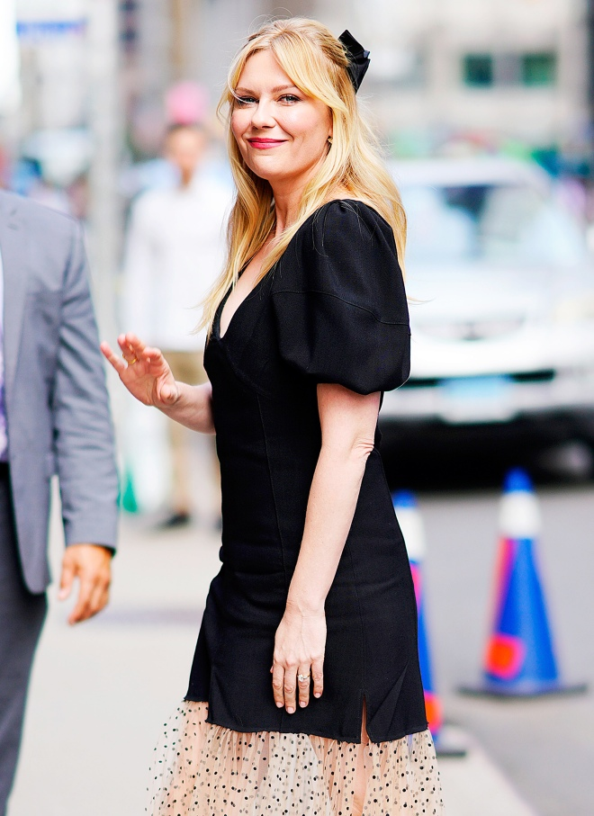 Kirsten-Dunst-I-Dont-Care-About-Shedding-Baby-Weight-01